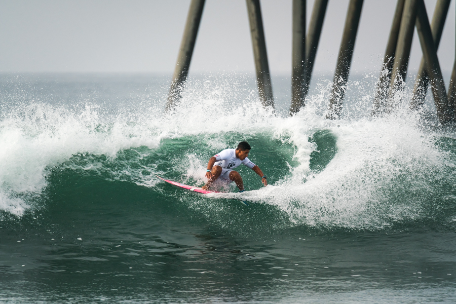 ISA Scholarship winner Amaru Rodriguez (PER) continues his strong performance and advances into Round 3 of the Main Event in the Boys U-16 Division. Photo: ISA / Ben Reed