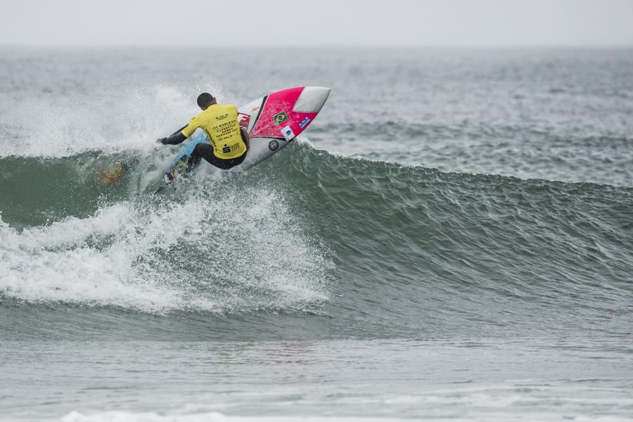 Luiz Diniz (BRA) se presenta en esta edición del 2018 como defensor del título de ISA SUP Surfing y buscará un buen inicio de competición el 23 de noviembre. Foto: ISA / Ben Reed