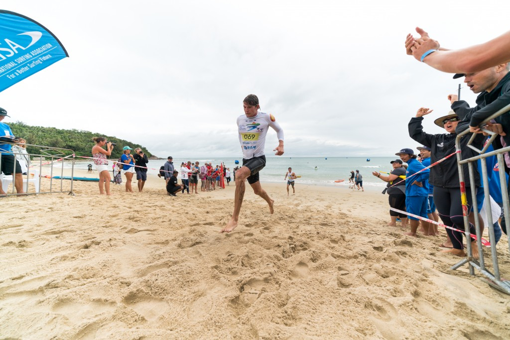Lachie Lansdown successfully repeats as World Champ. Photo: ISA / Sean Evans