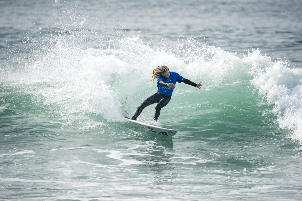 Caitlin Simmers earns the highest wave score of the final day of competition to earn the Girls U-16 Gold for Team USA. At just 13 years old, it certainly is not her last. Photo: ISA / Ben Reed