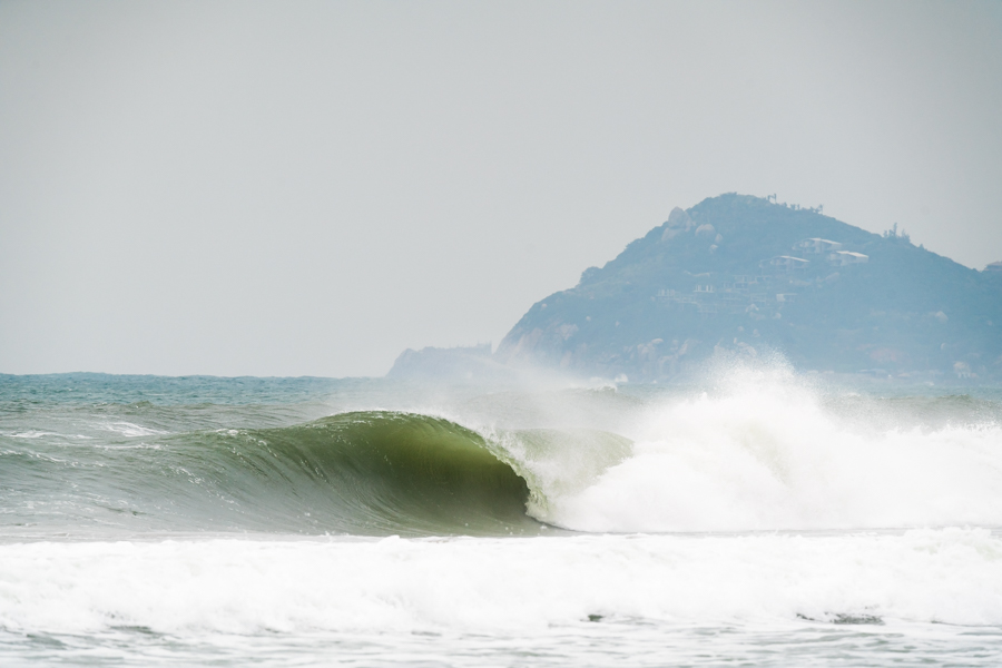 Riyue Bay producing non-stop swell for the world's best SUP surfers. Photo: ISA / Sean Evans