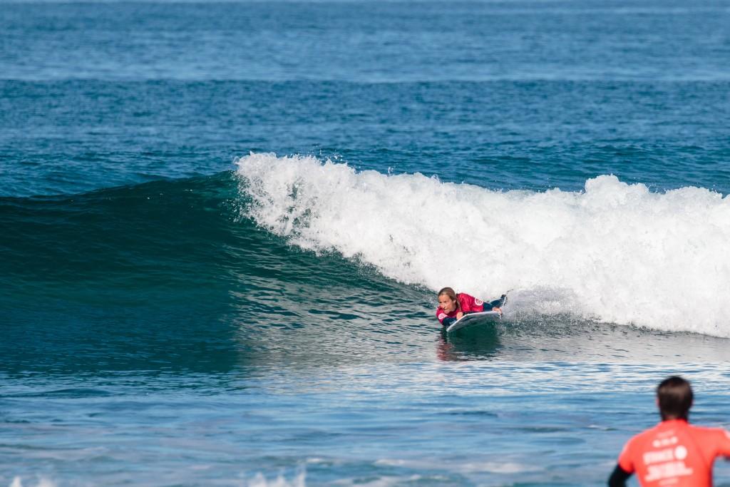 La australiana Samantha Bloom impresionó a todo el mundo con la mejor puntuación total del día. Photo: ISA / Chris Grant