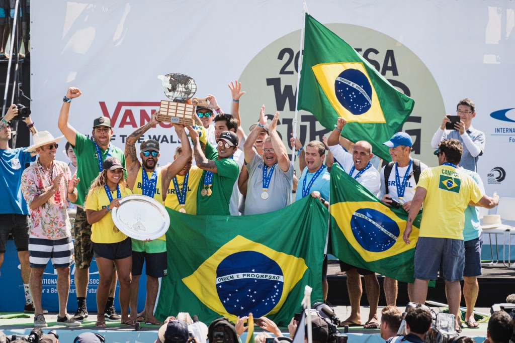 Team Brazil celebrates their first ISA World Surfing Games Gold Medal in 19 years. Photo: ISA / Ben Reed