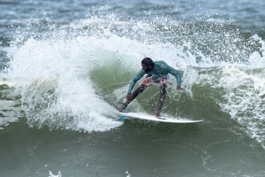 Sri Lanka's P.B. Praneeth Sandaruwan warming up at Kisakihama Beach ahead of the event. Photo: ISA / Pablo Jimenez