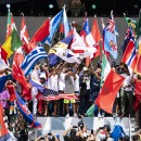 Thumbnail Los Mejores Equipos Nacionales de Surfing del Mundo Celebran la Apertura del ISA World Surfing Games 2019 presentado por Vans