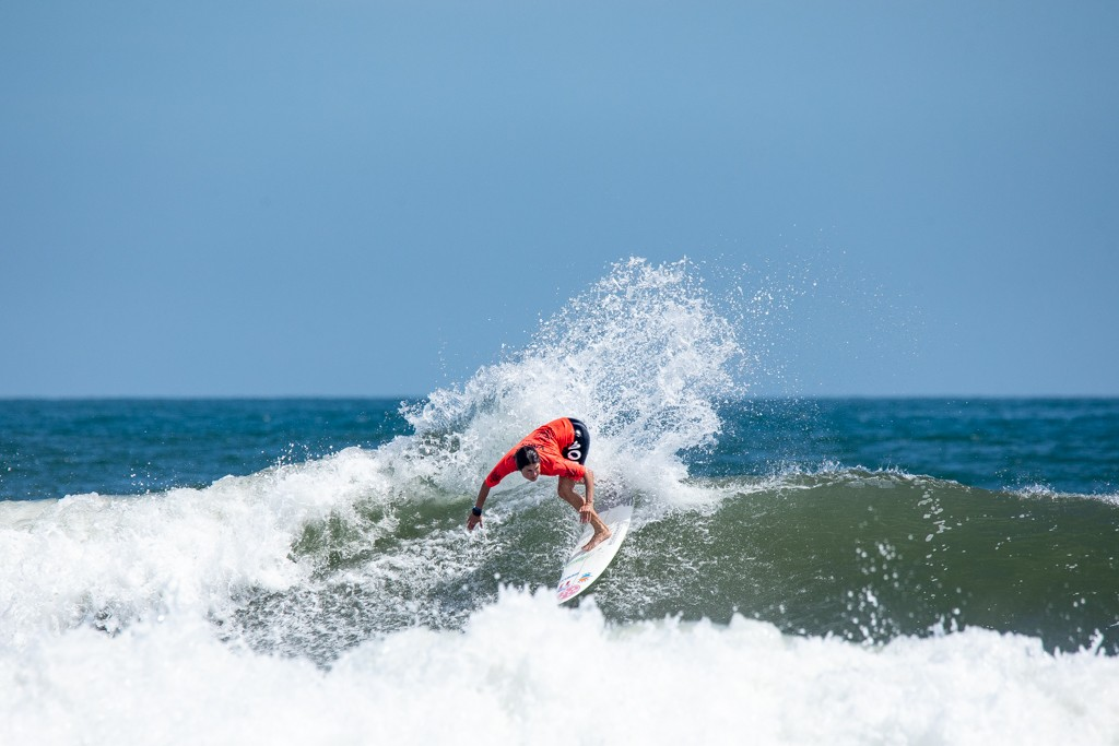 Sofia Mulanovich found two waves worth 7.2 and 6.6 that took her to the Gold Medal. Photo: ISA / Pablo Jimenez