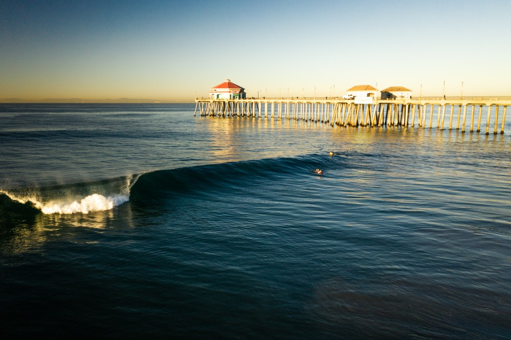 Could you ask for better conditions in Huntington Beach? Calm wind and ample swell prevailed for the majority of Friday's competition. Photo: ISA / Sean Evans