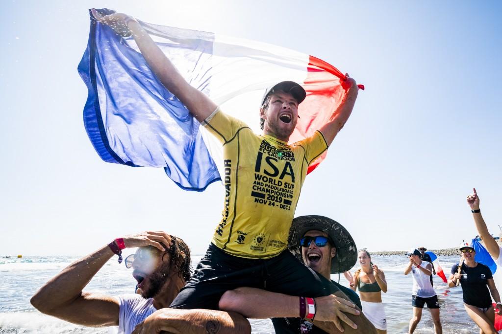 Benoit Carpentier de Francia obtuvo su primera victoria en un evento internacional con el Campeonato Mundial de SUP Surfing. Foto: ISA / Ben Reed